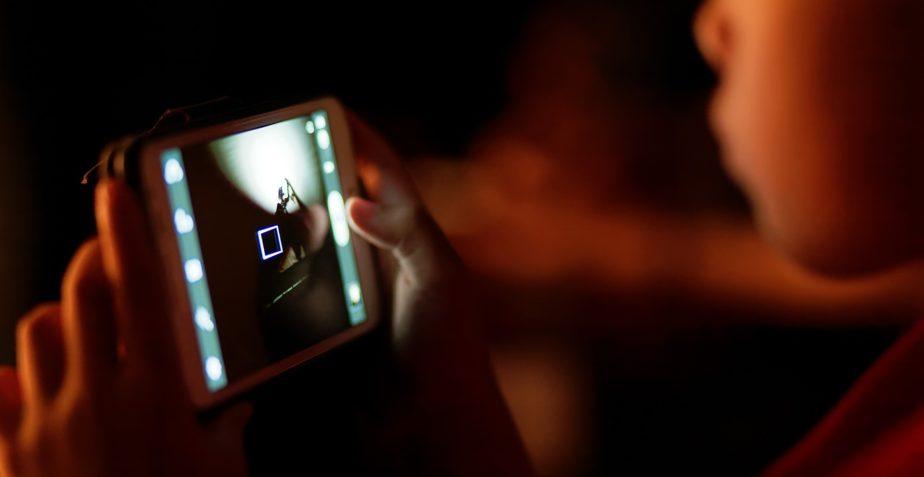Cellulari e Tablet vietato l'accesso ai bambini