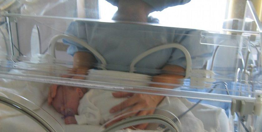 neonato pretermine 840x424 - Ricerca: Test del sangue prevede parti prematuri